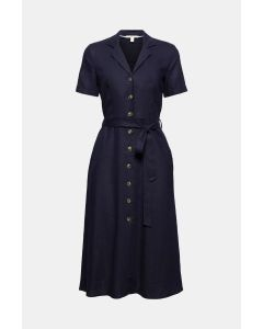 À teneur en lin : la robe-chemisier à ceinture